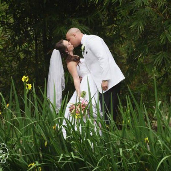 bride and groom outdoor weddings
