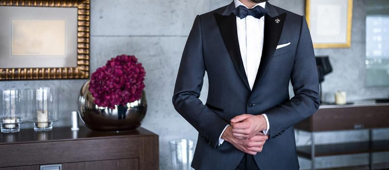 Groom in two-toned tuxedo